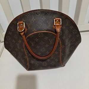 Authentic Louis Vuitton Used Ellipse-Make an offer